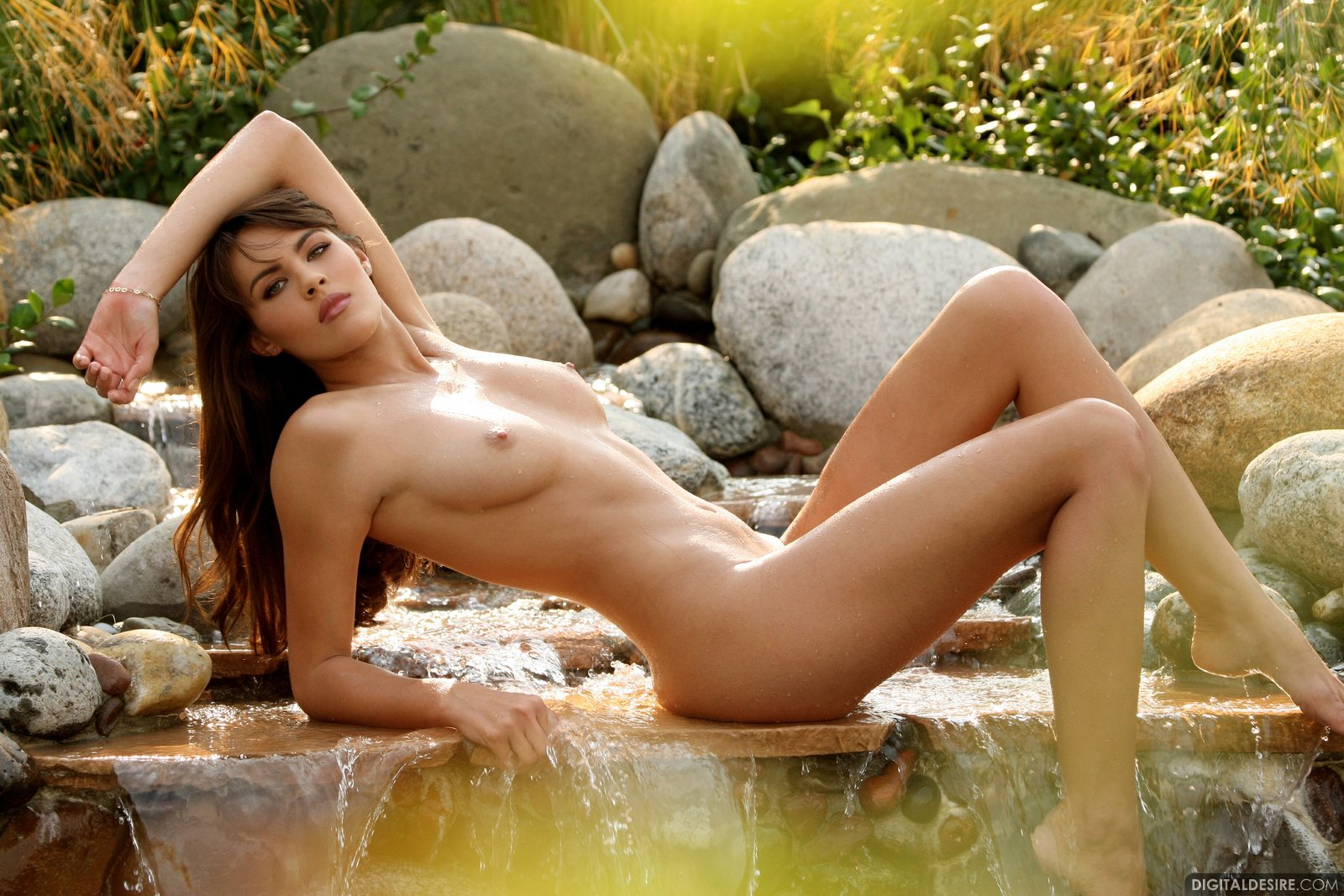 Free Victoria Valmer Nude