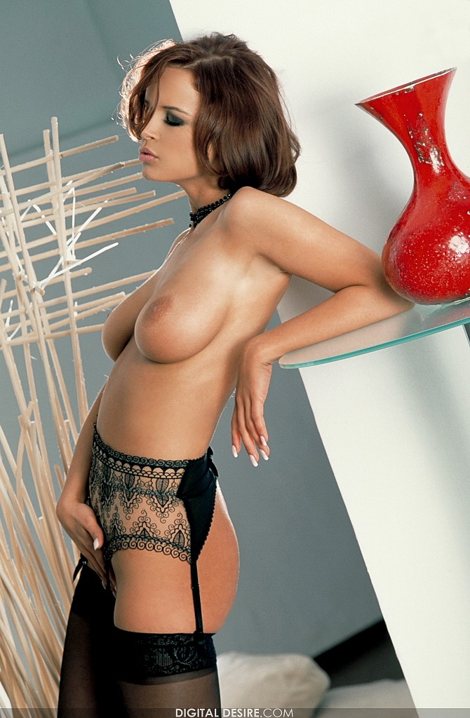 girl camel toe nude