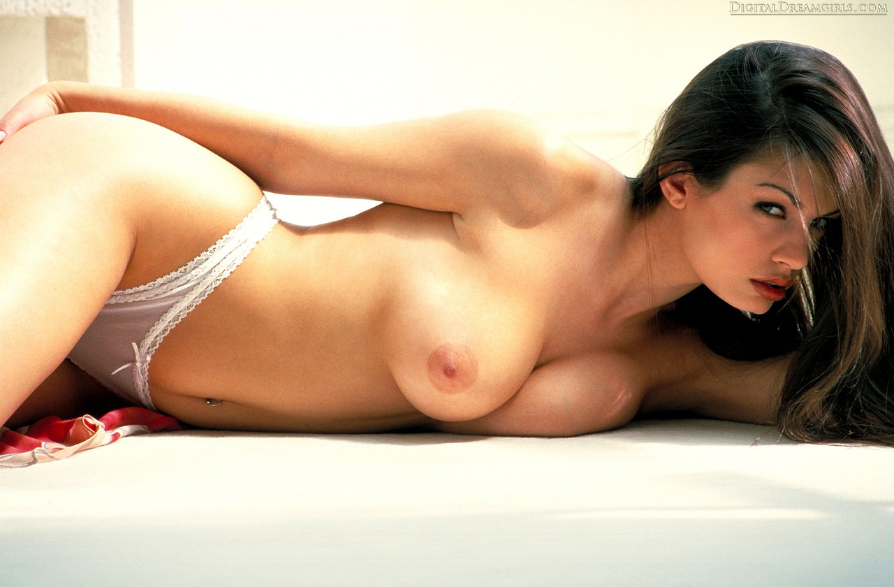 Aria giovanni stunning body in one of her first photo shoots 3