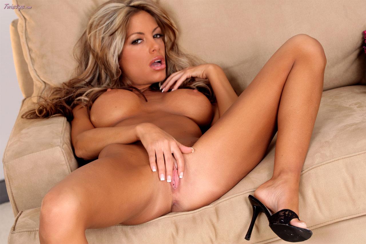 naked-pregnant-nude-mandi-lynn-south-carolina-marin