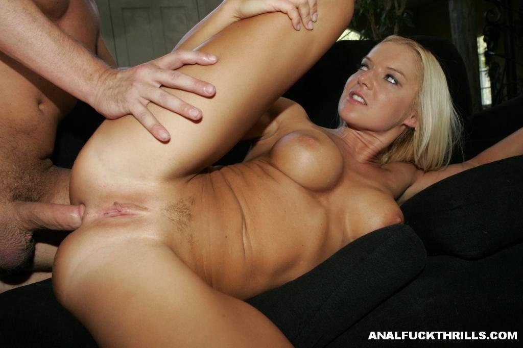 Big blonde titties anal