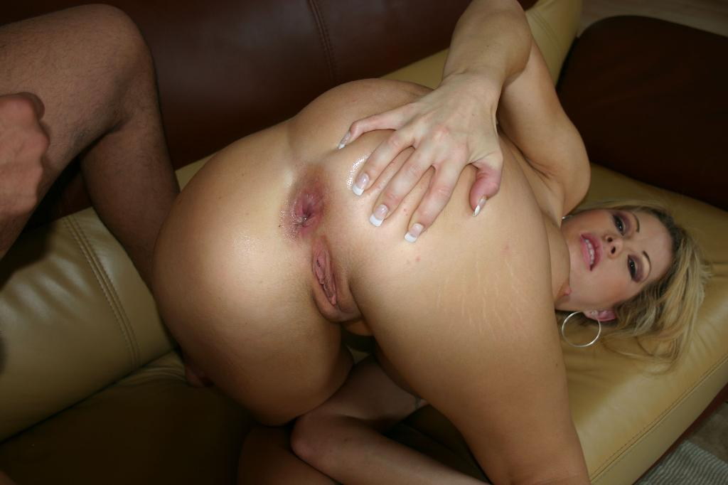 Amateur blonde takes a huge load on her chest 4