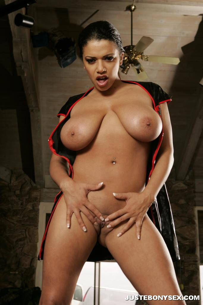 ebony girl with big boobs stripping