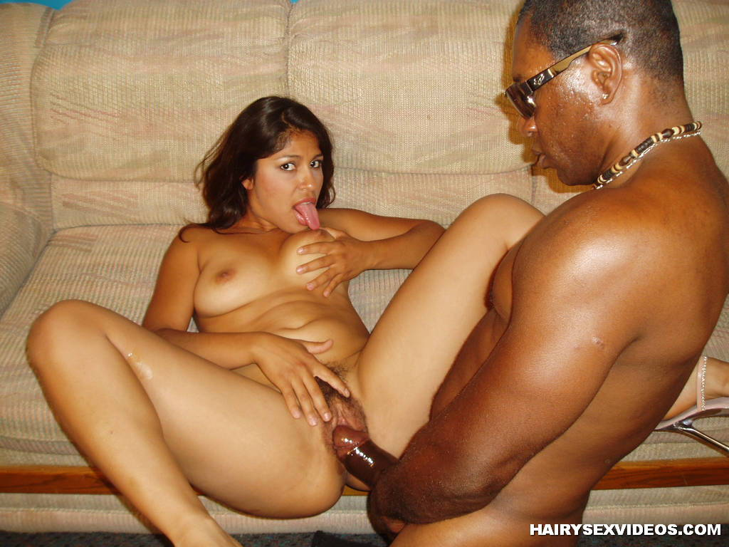 Mature martha and her hairy wet pussy - 3 7