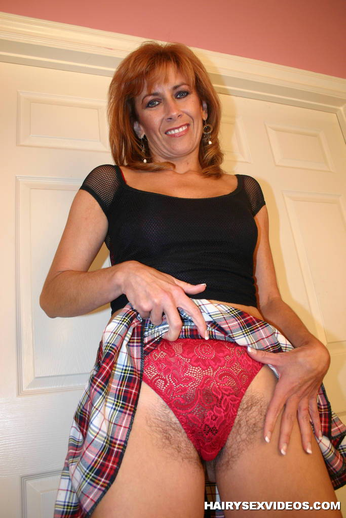 Laurie vargas the hairy milf - 1 4