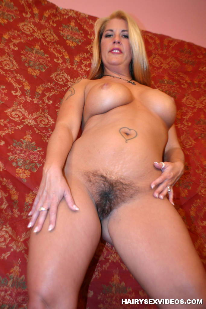Its that hairy pussy again webcam f from spicygirlcamcom