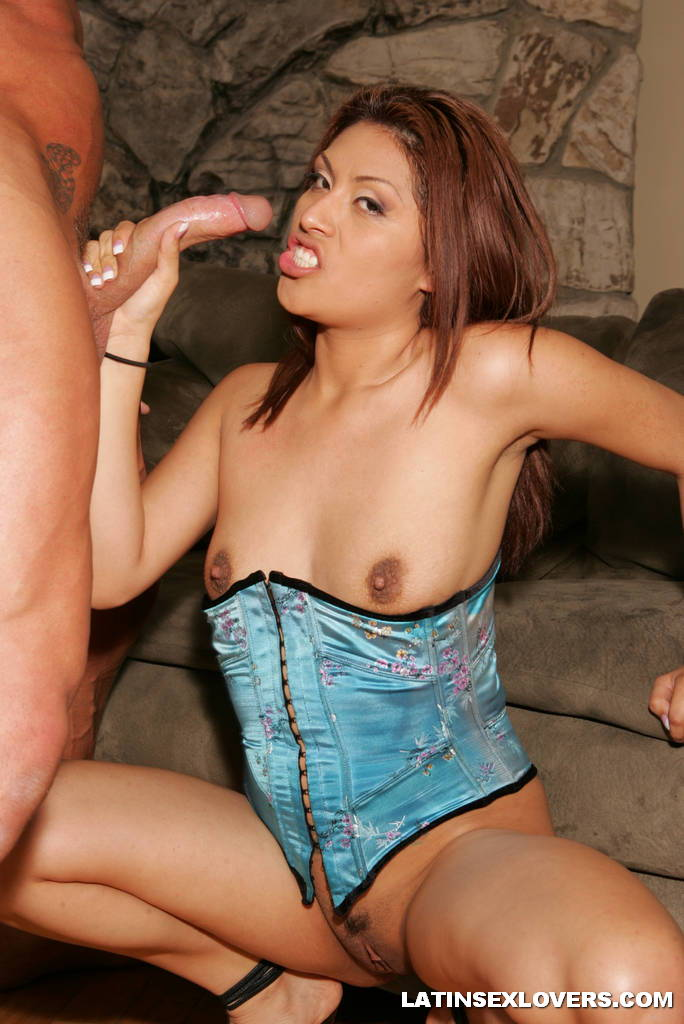 Layla Jade Sex & Blowjob 2202 - page 5: hothag.com/galleries/latina/layla-jade-sex-blowjob-2202/5