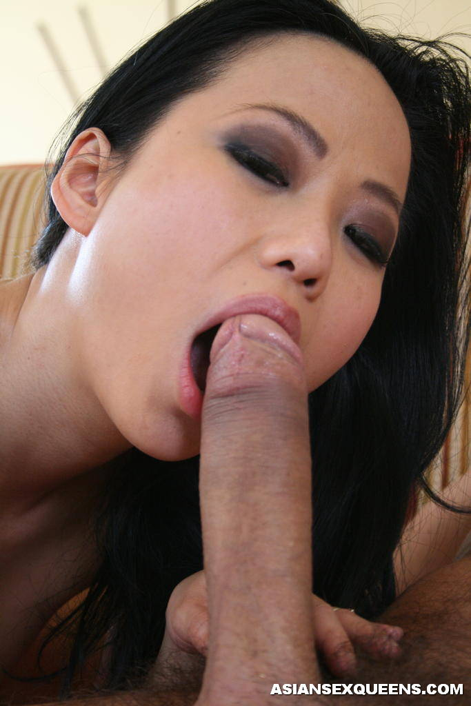 Sexy asian sucks dicks