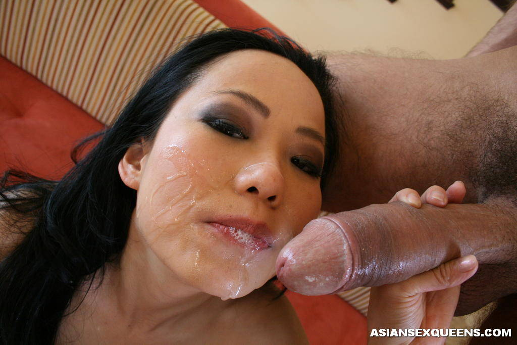 Hot Asian Babe Suck a Huge Dick and Swallow Cum -
