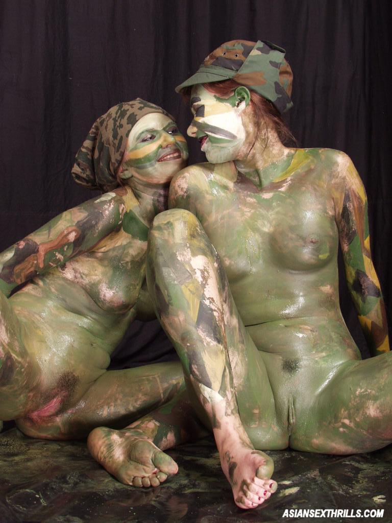 Nude pics women solo