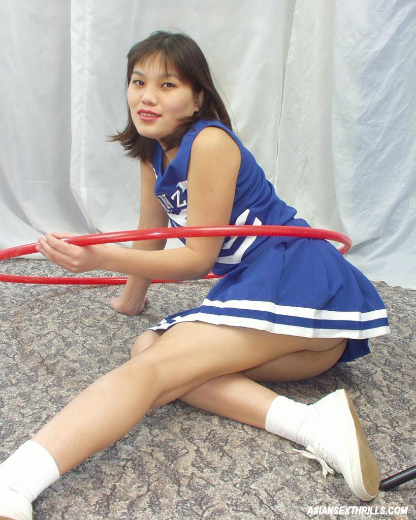 Sexy Asian Cheerleader Teen 2477-9542