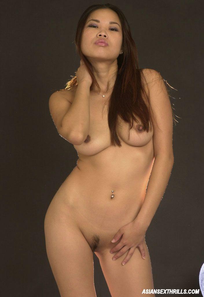 Ariella Lee Posing Nude 2483-8226