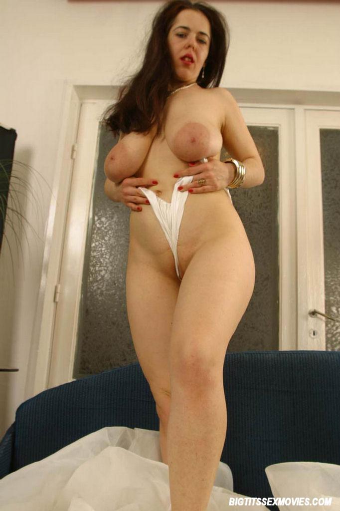 Milf huge nipples