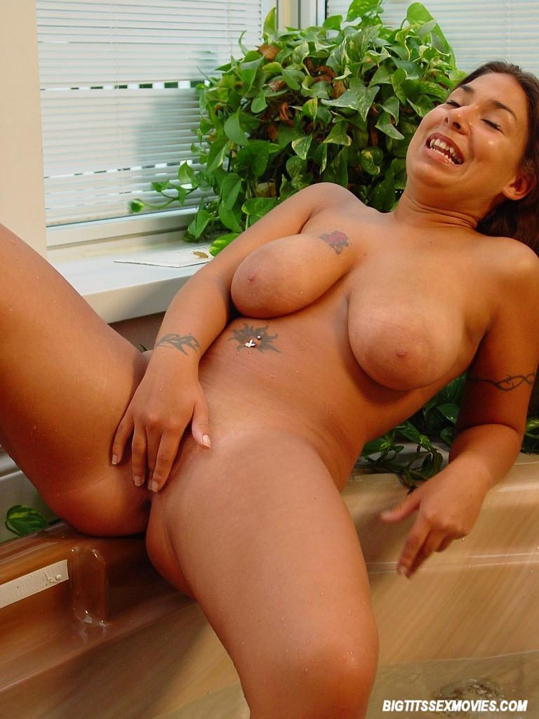 Beautiful naked hispanic women