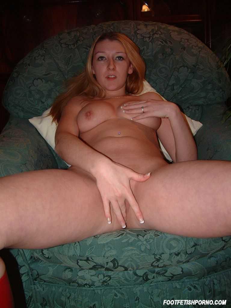 pleasuring her