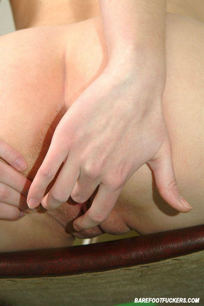Hairy girl toying and fucking hardusb - 4 7