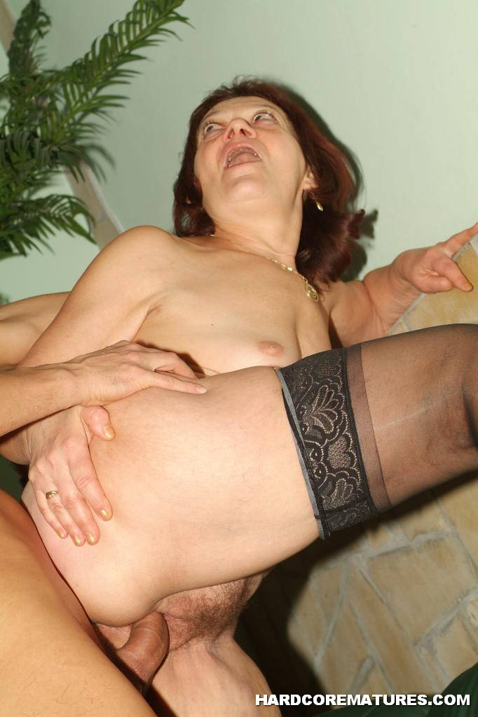 Old granny anal pictures