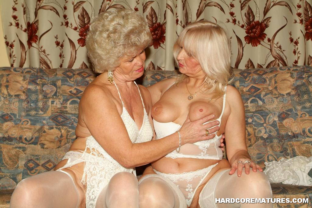 Mature Lesbian Grannies Pussy Licking 2695 - Page 2-2244