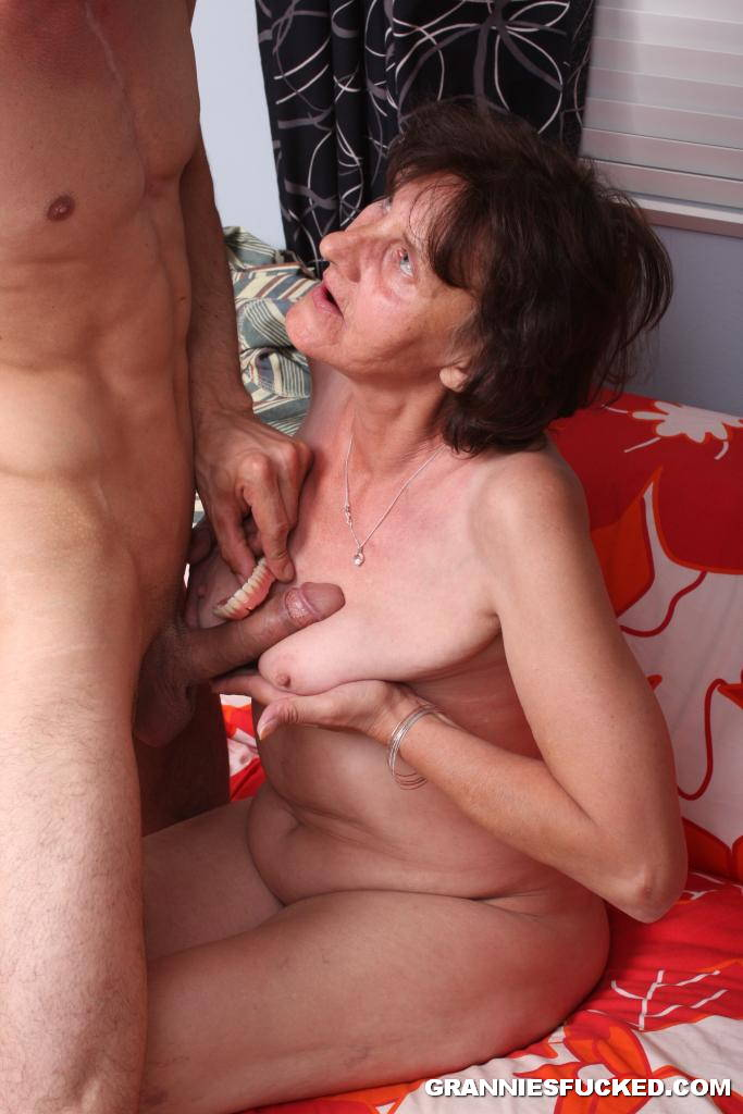 Granny Sucking Young Cock 2698 - Page 5-5215