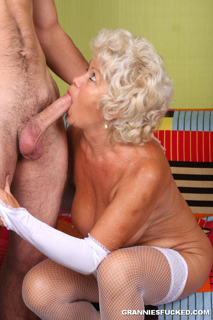 Granny In Sexy White Stockings 2699 - page 3