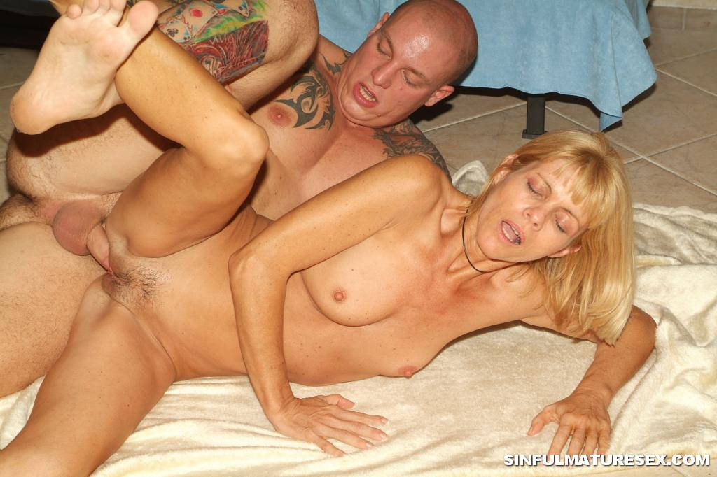 Anal mature over fifty pics