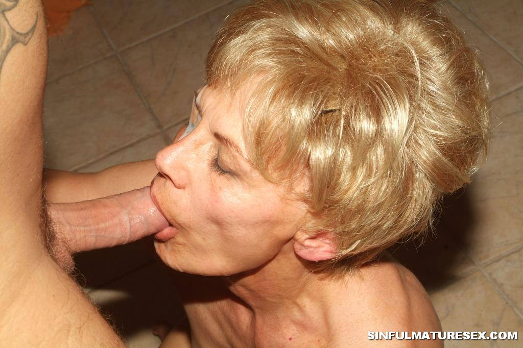 Grandma Giving Blowjobs 40