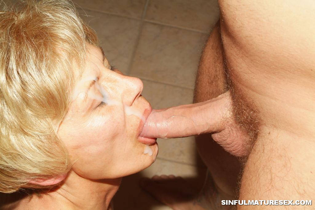 Blowjob from granny