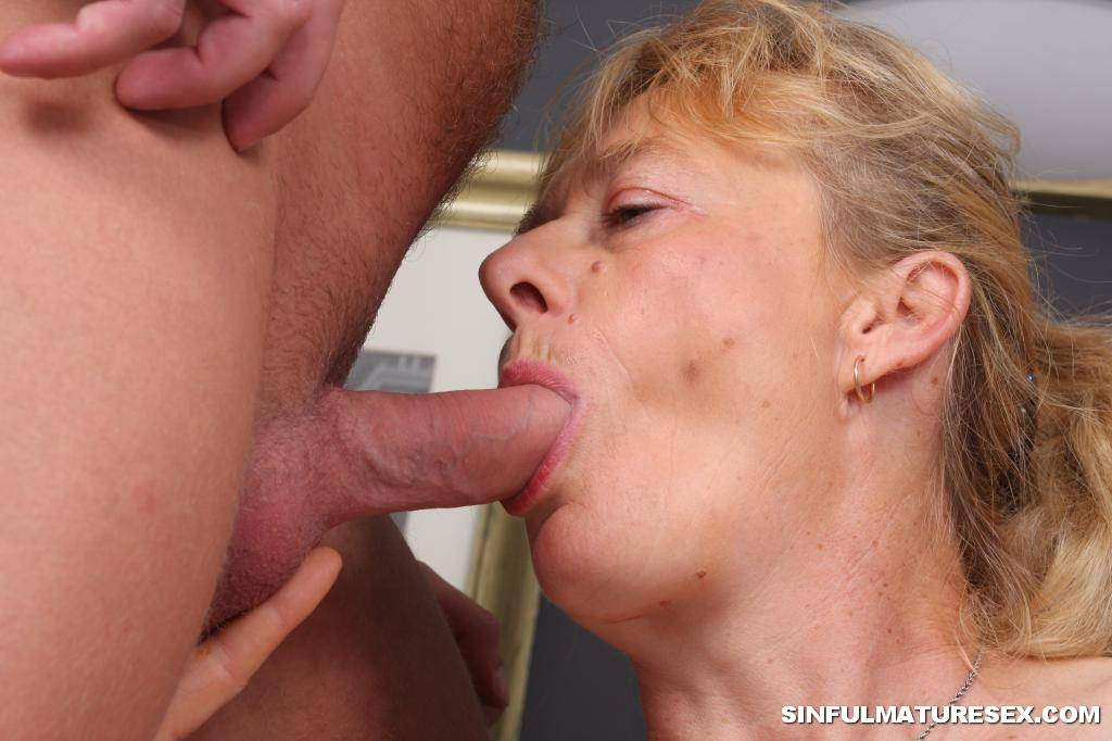 Neighbor eats out married girl while husband is away 4