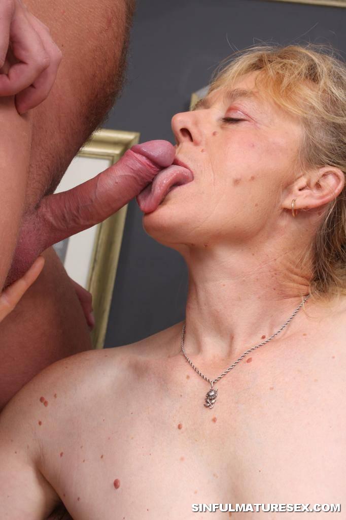 cum eating Old grandma young man