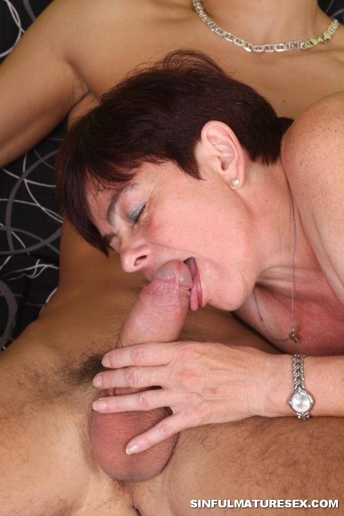 Old Mature Granny Sucking Young Cock 2722-6343