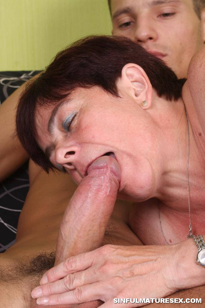 Sucking old cocks