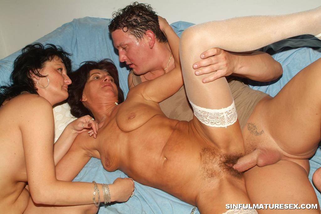 Sexy grandma shower having fun with young coc