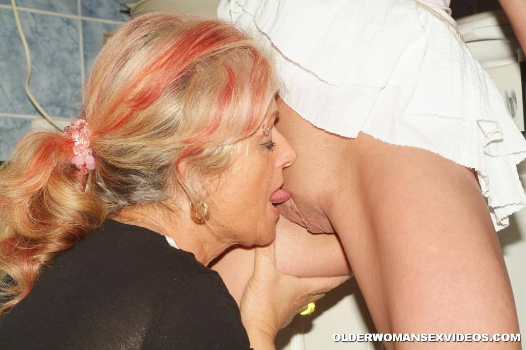 Old grandma eats licks fucks young schoolgirl