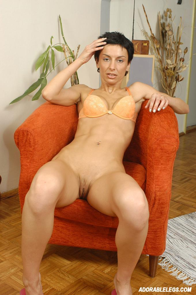 short brunette naked