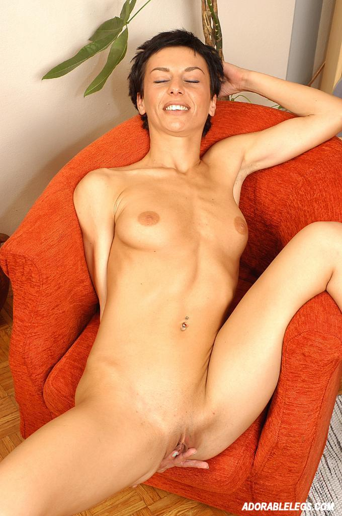 naked short haired brunette