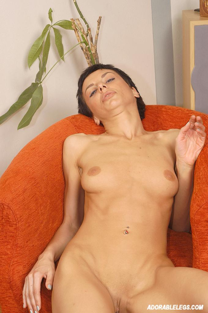 Short Haired Brunette Posing Naked 2756 - Page 4-5201