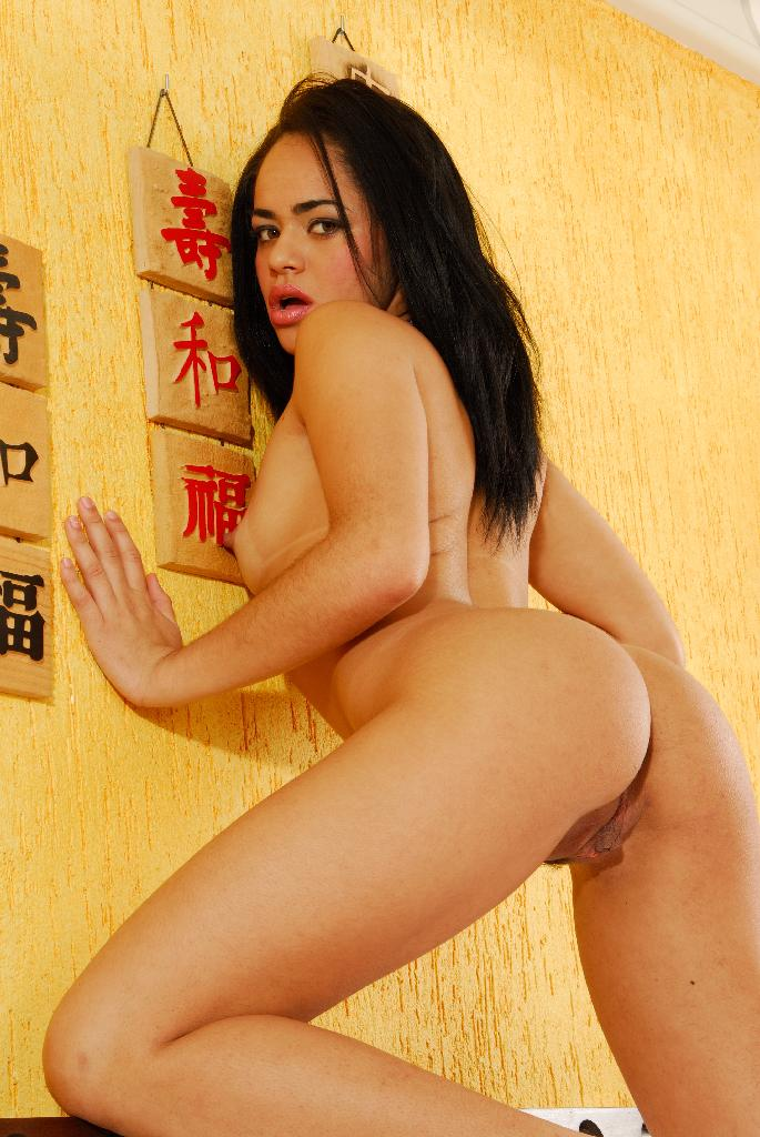 Alessandra marques gets her brazilian ass banged 3