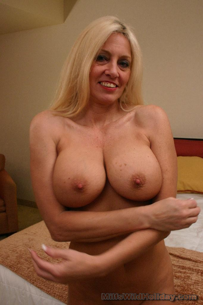 For busty amateur milf apologise, but