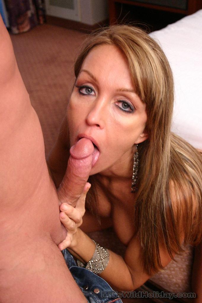 Curious Christine Blowjob Bigcock With Balls Massage
