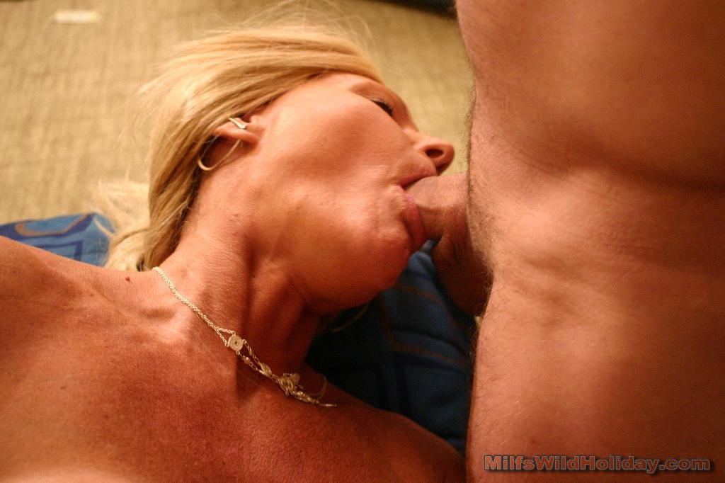 Mature milf slut blowjob aint no lovin like
