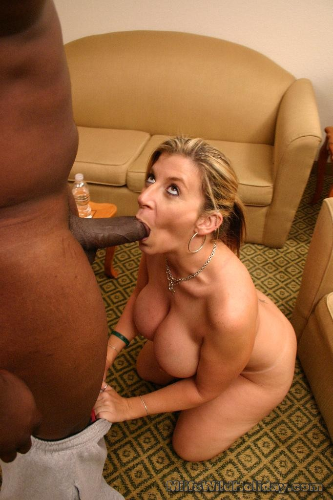 Milf sucking black cocks
