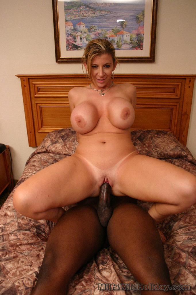 Big assed Sara Jay ride cock - XVIDEOSCOM