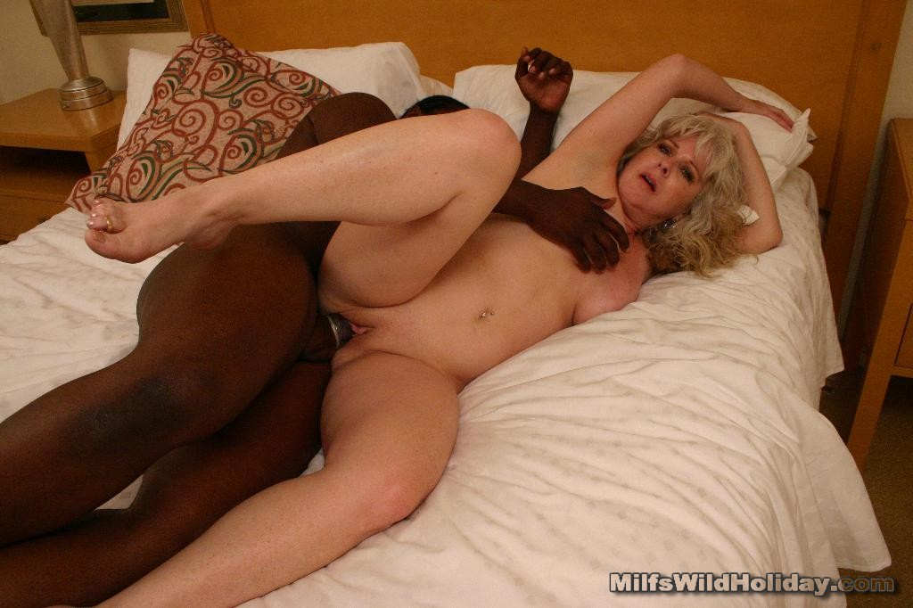 videos ebony milf sucking thick black cock until