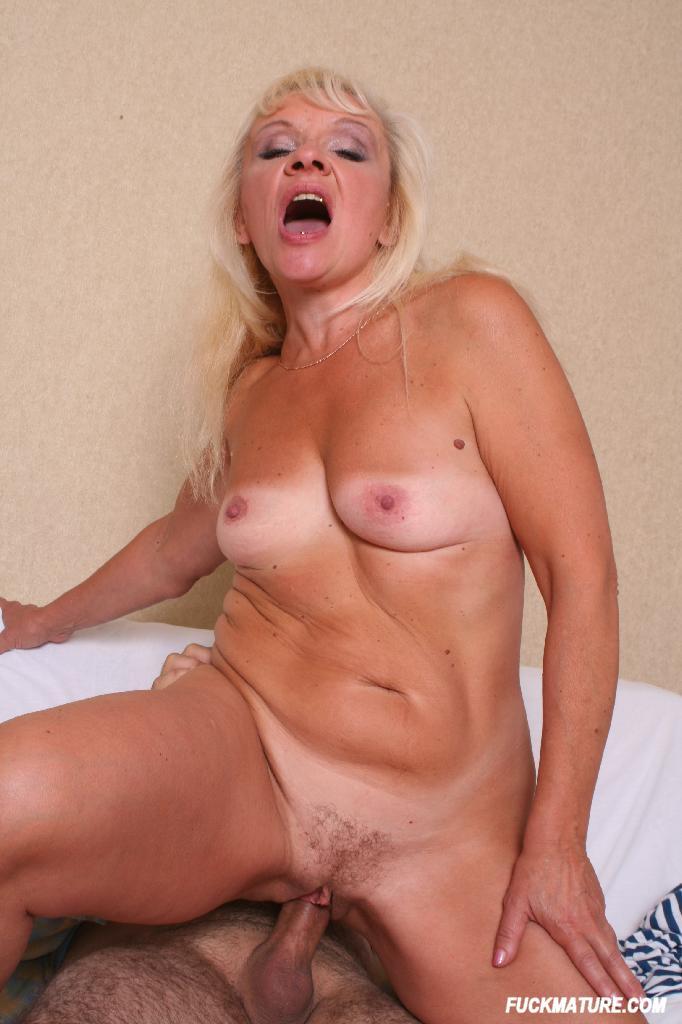 Free daily boob pic