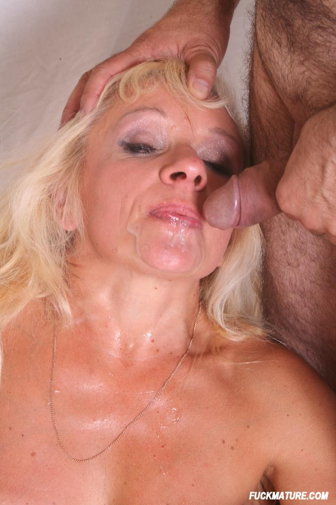 eating mature with it cumming