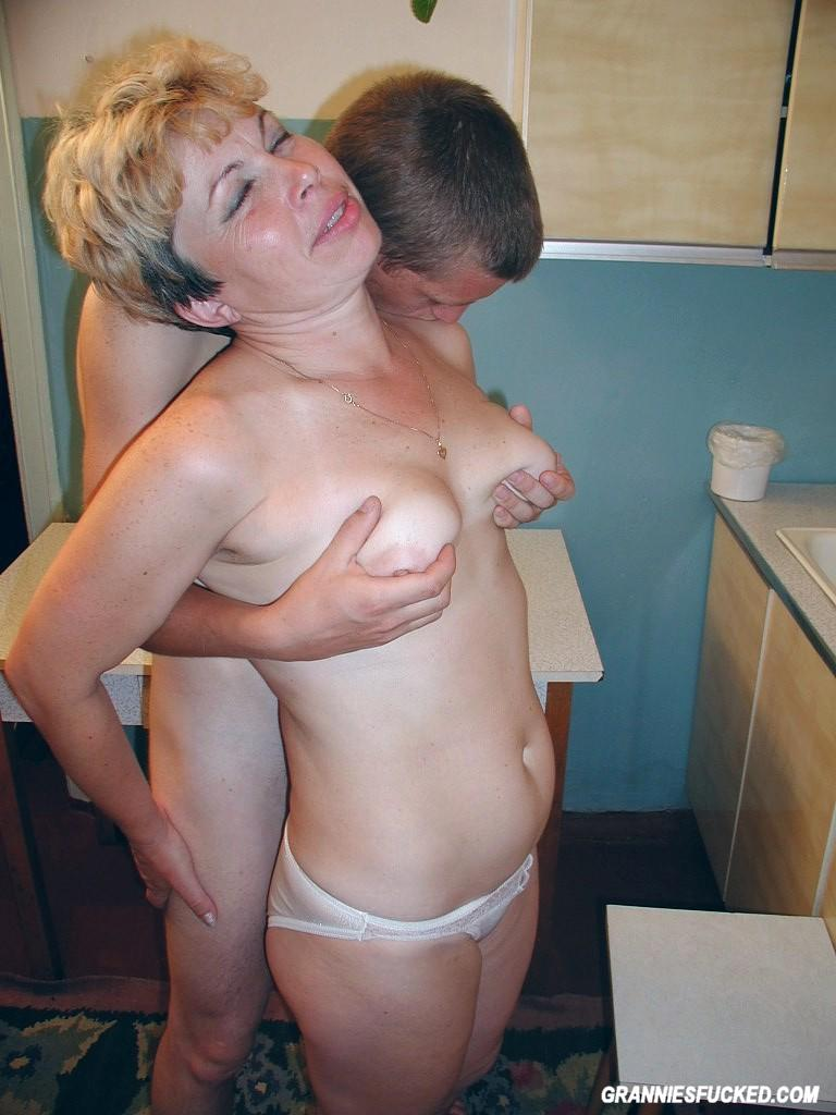 Mature Milf Enjoing Many Cocks