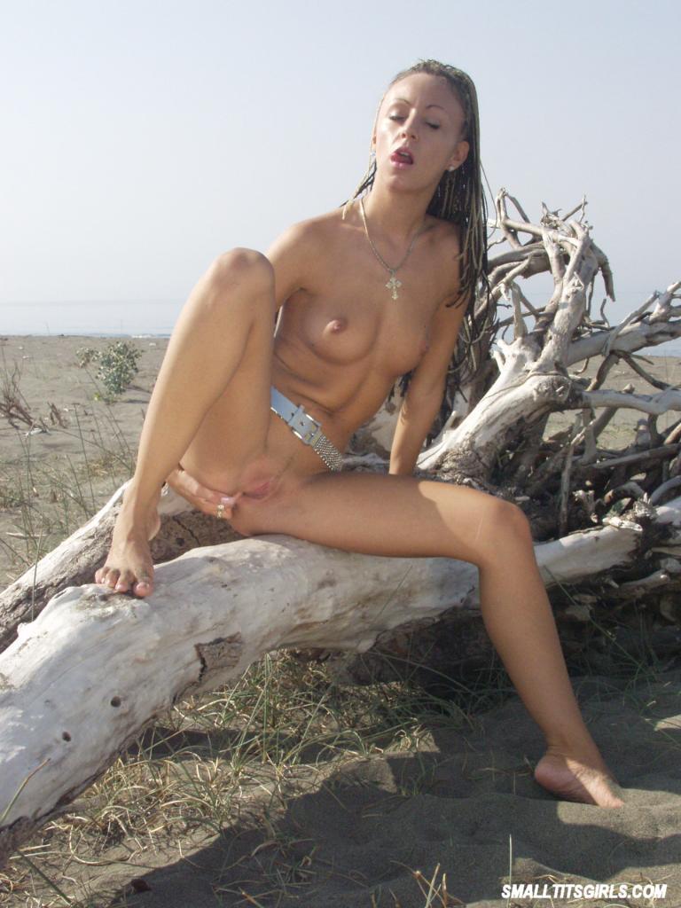naked passionate women pics