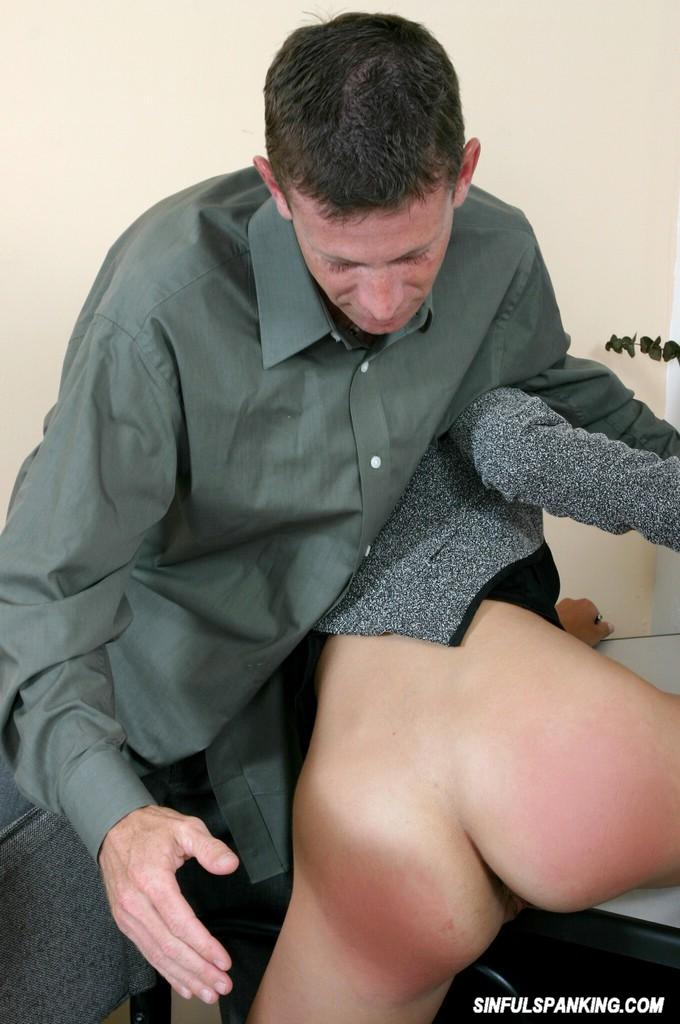 lazy secretary babe getting her ass spanked by her boss on the desk