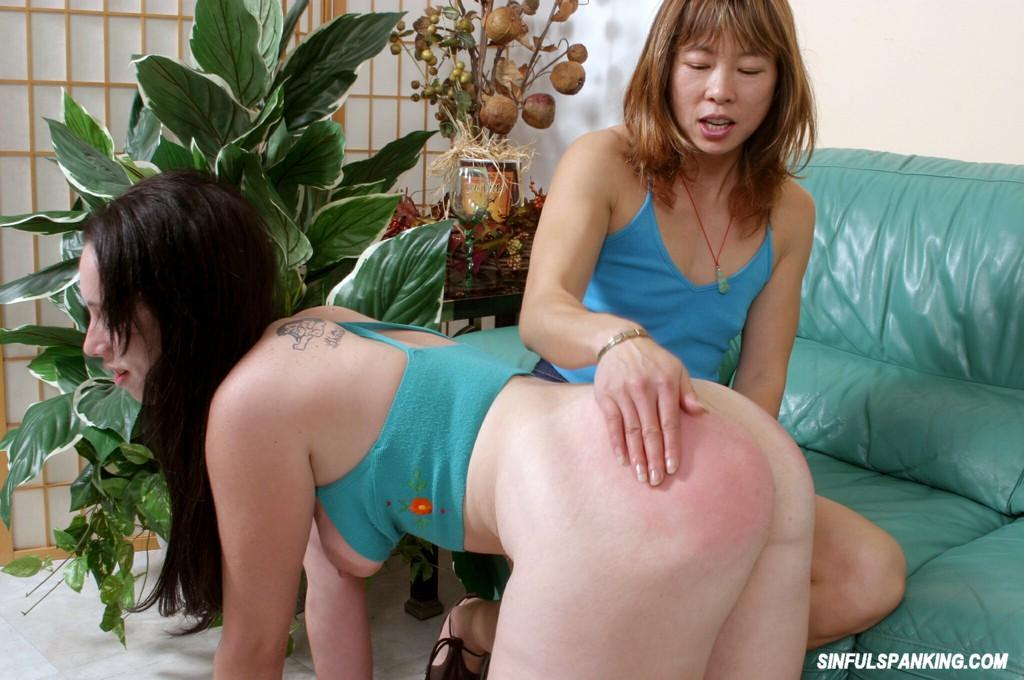 image Fat mature lesbian gets played with