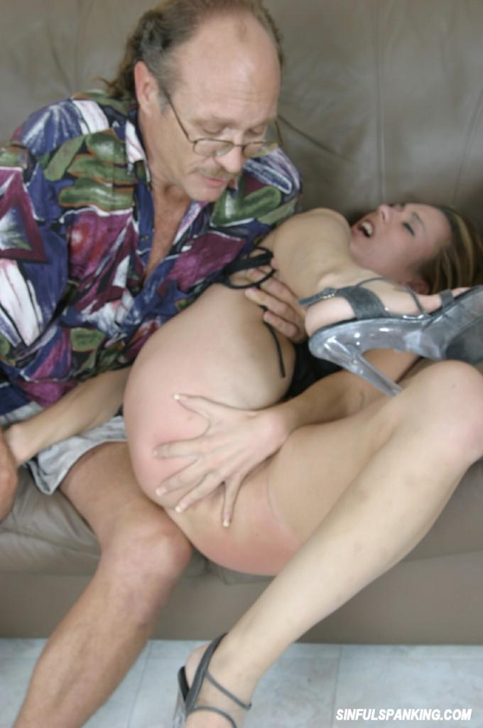 Lesbian sex videos strap on